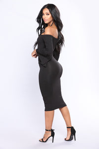 Relina Off Shoulder Dress - Black