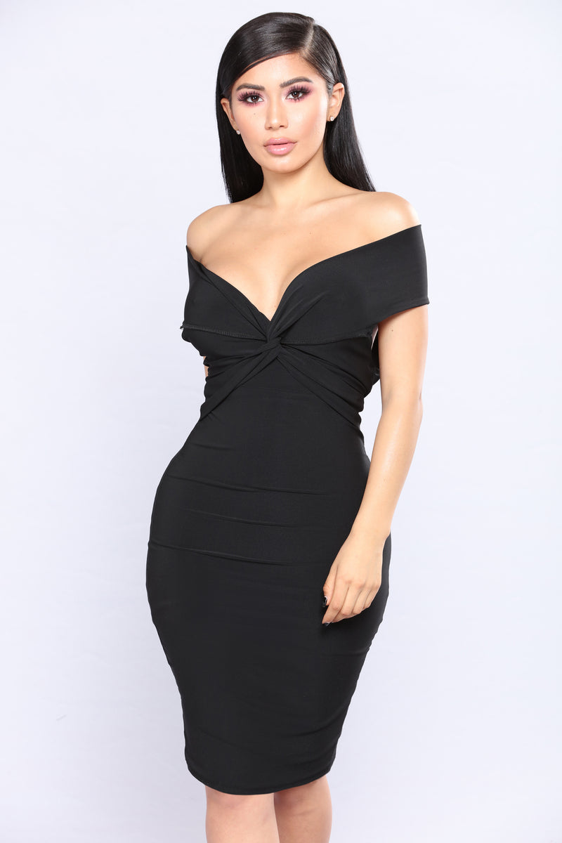 A Little Twisted Midi Dress - Black