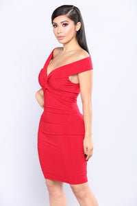A Little Twisted Midi Dress - Red