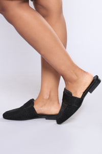 Cacey Flat - Black Angle 2