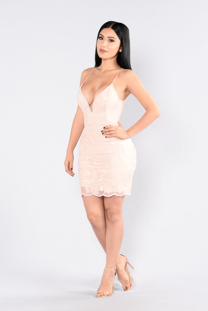 No Time Wasted Dress - Blush