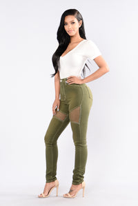 Midnight Assassin Jeans - Olive Angle 6