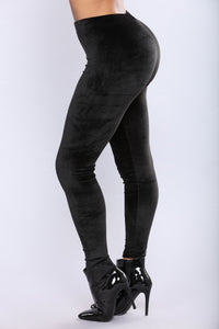 Throwback Velour Leggings - Black