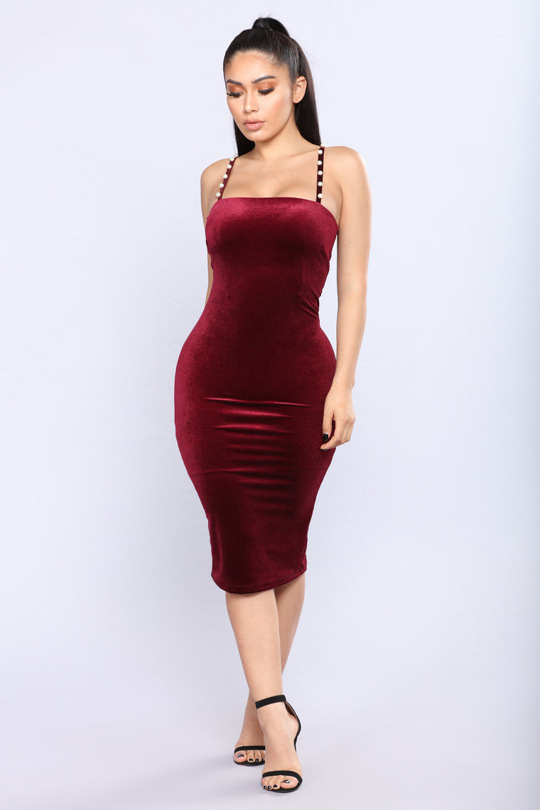 Pearl Of Wisdom Velvet Dress - Wine