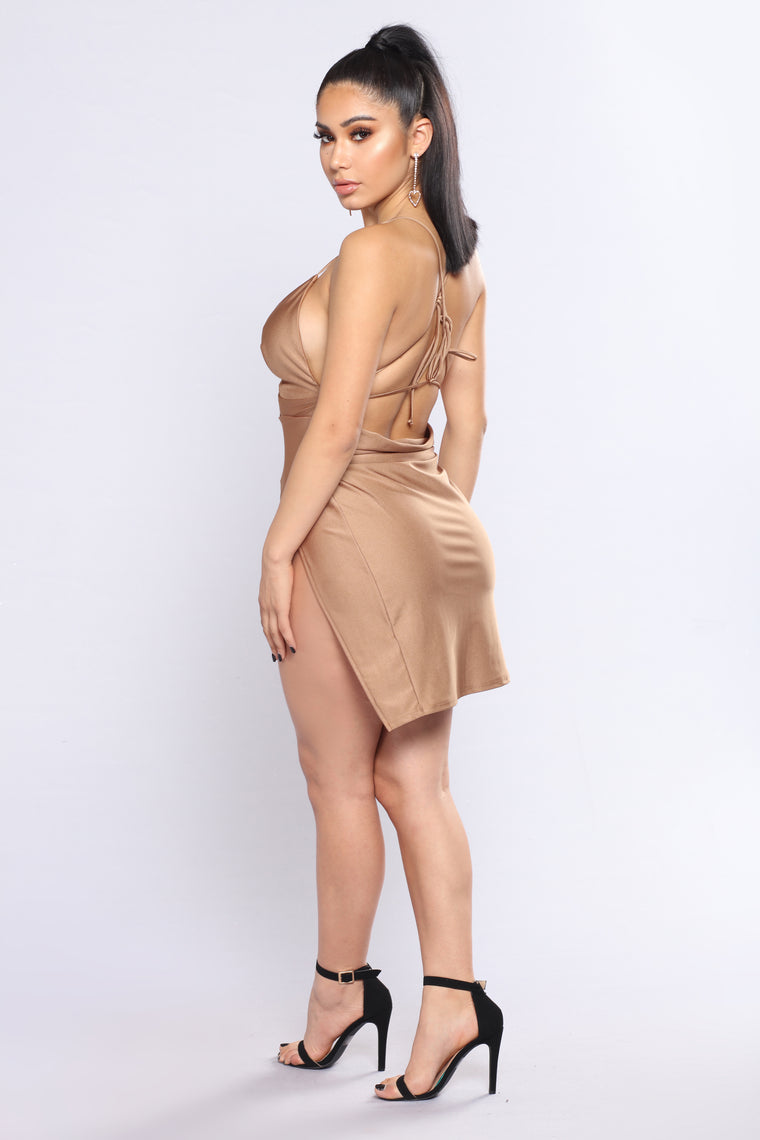 Can't Tell Me Nothing Dress - Gold