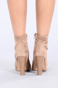 Love Buzz Boot - Taupe