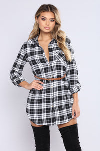 Daniela Plaid Top - Black/White
