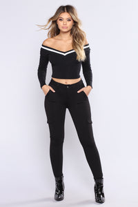It's A Reach Crop Top - Black