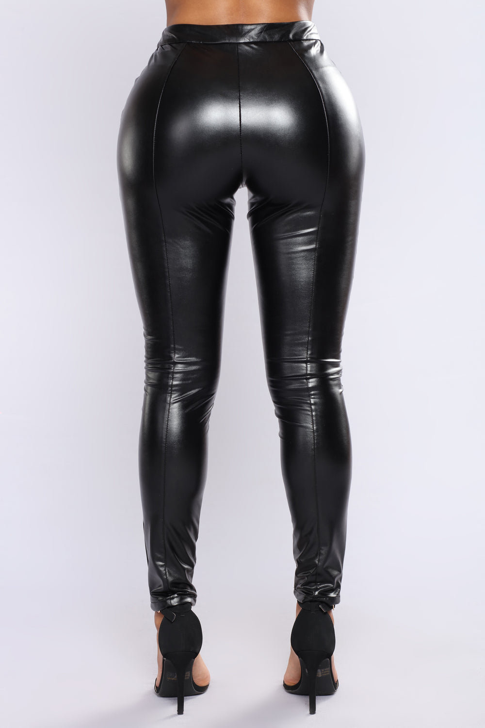 Your fix of total fierceness has arrived thanks to our dope range of faux leather pants. These slick bad boys are seriously too hot to handle and you will be too once you don a pair. Channel a rock n roll edge mixed with urban street stylin' and clean cut minimalism, depending on how you style these beauts.