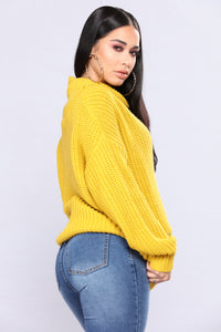 Juni Turtleneck Sweater - Mustard