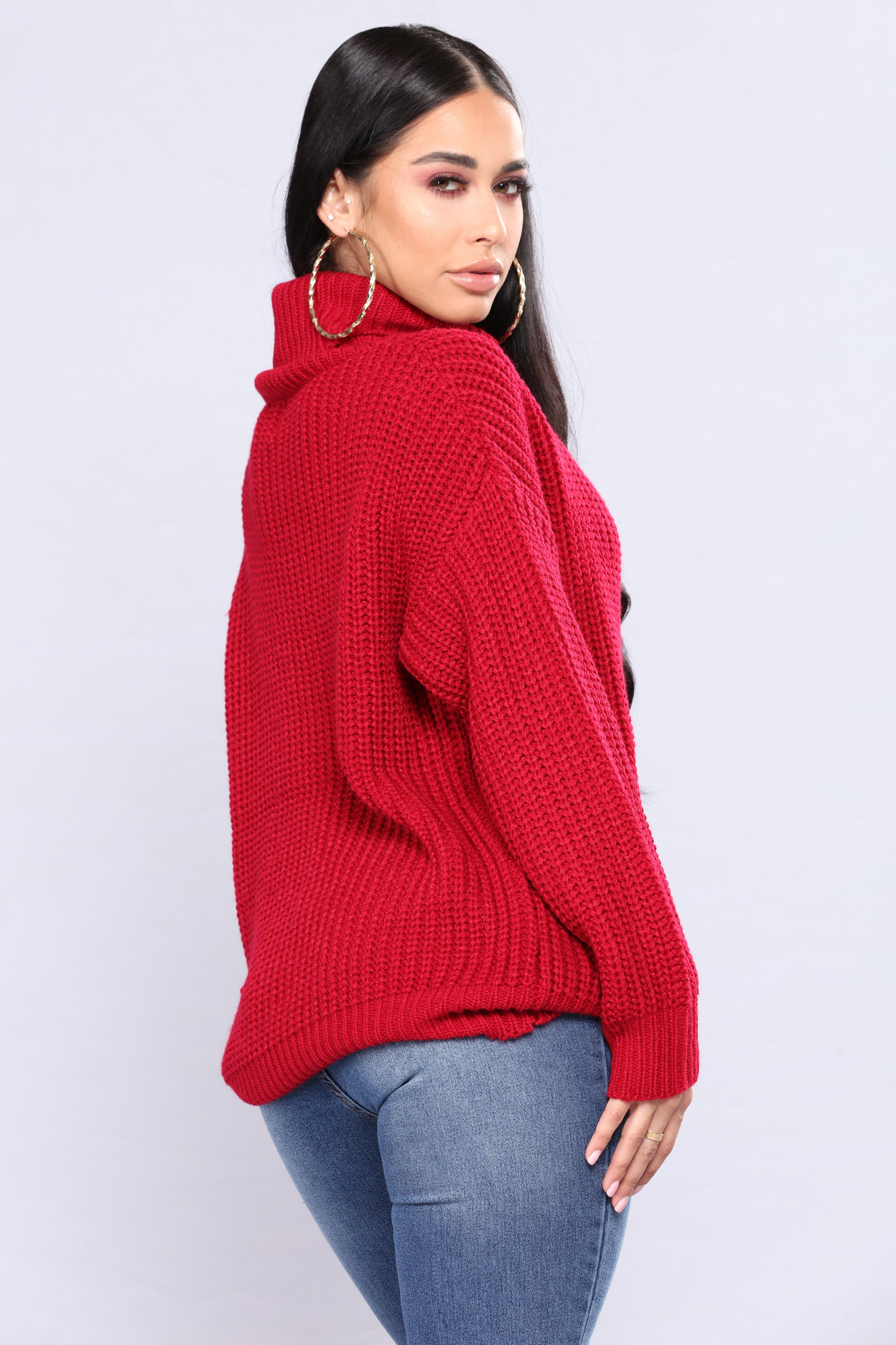 Buy red turtleneck sweater at affordable price from downiloadojg.gq online retro store. Free shipping worldwide.
