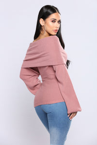 Marilyn Off The Shoulder Sweater - Dusty Pink