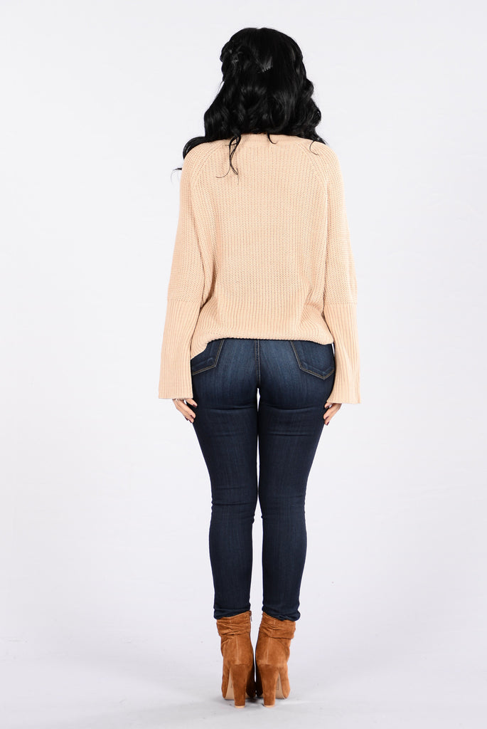 Running With The Night Sweater - Beige