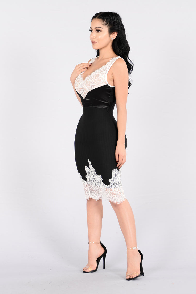 No Ordinary Love Dress - Black