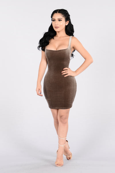 Keep You Close Dress - Mocha