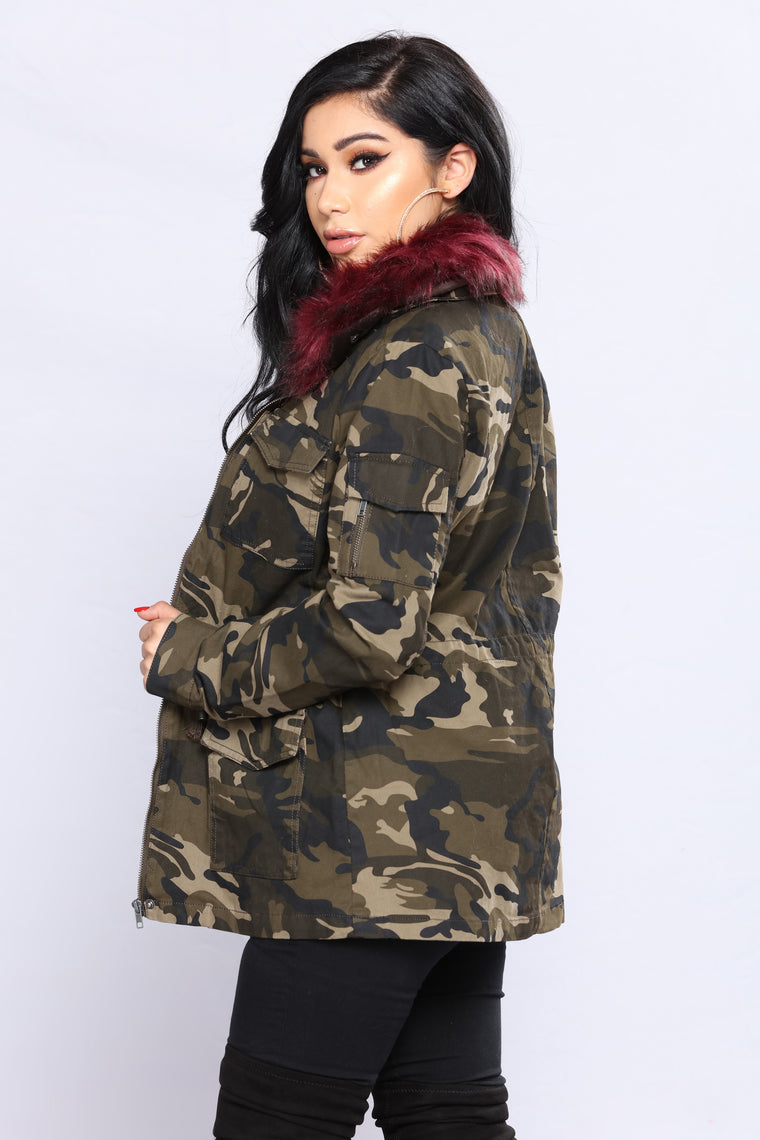 On The Low Camo Anorak - Burgundy/Combo