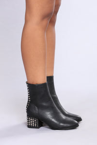 Fame Studded Boot - Black