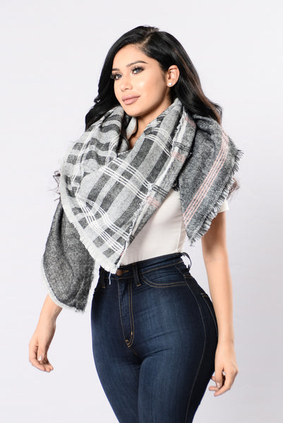 Twice As Nice Blanket Scarf - Black