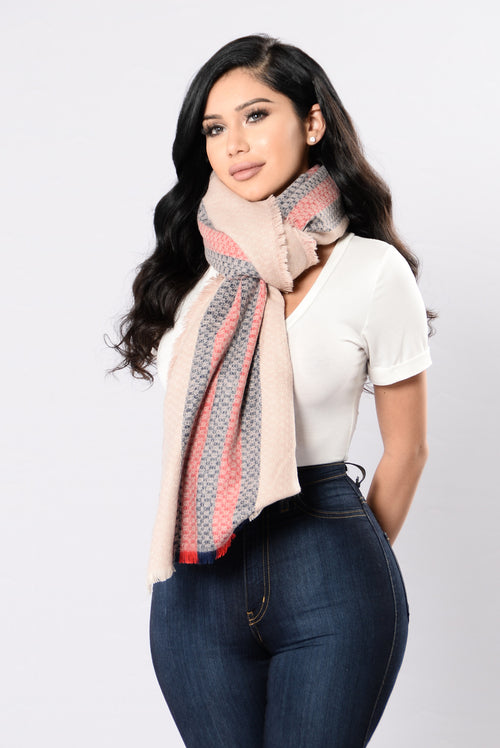 Coffee Date Blanket Scarf - Pink