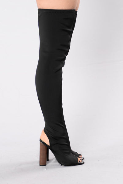 Queen B Boot - Black