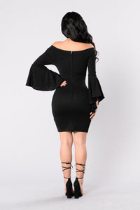 Clap Back Dress - Black Angle 2