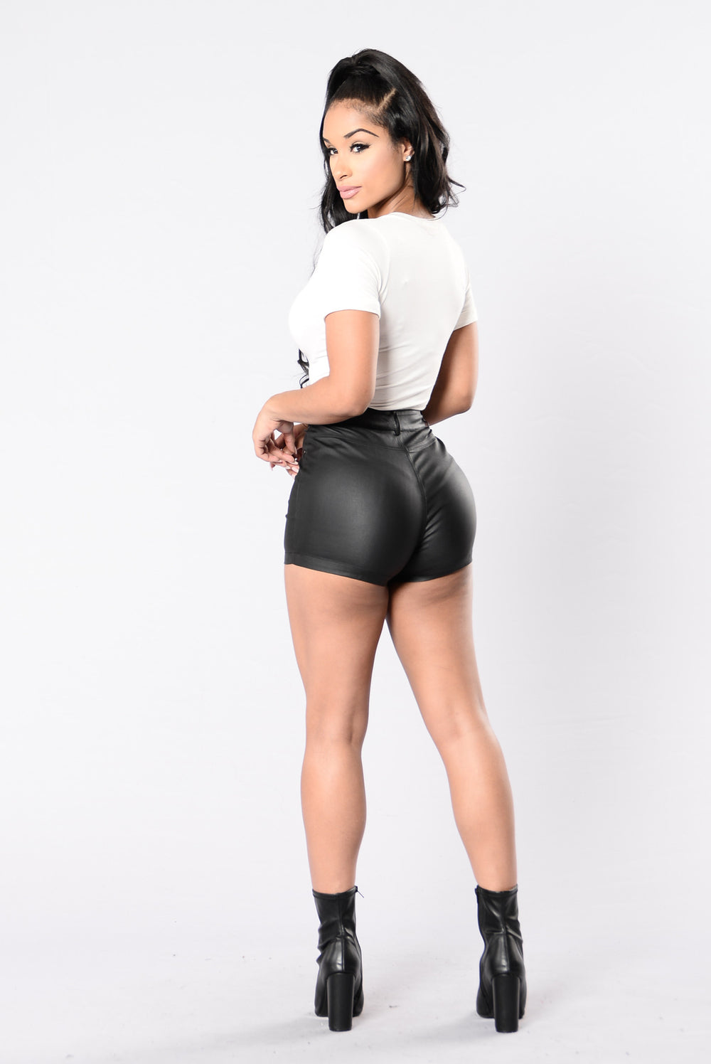 Irresistibly Hot Shorts - Black