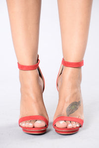 Simply Chic Heel - Red