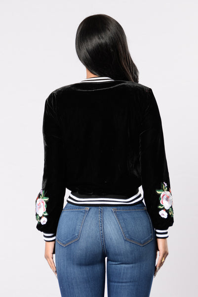 On Trend Velvet Jacket - Black