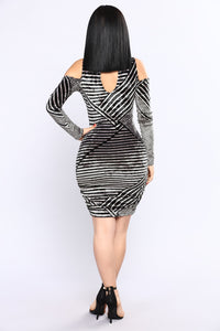 Savannah Velvet Dress - Black/Taupe