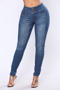 Keep Dreaming Booty Shaping Jeans - Medium Blue Wash