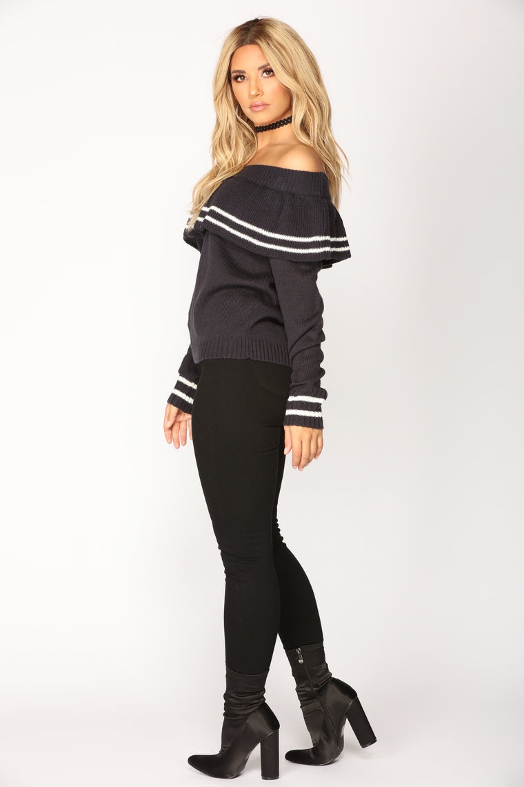 Schooling The Stripes Sweater - Navy/Ivory