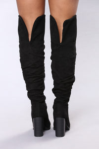 Savannah Slouch Over The Knee - Black