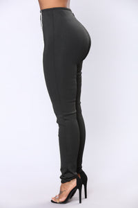 Bandage Pearl Trim Pants - Black