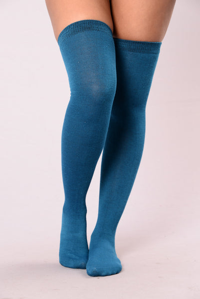 Cozy By The Fire Long Socks - Blue