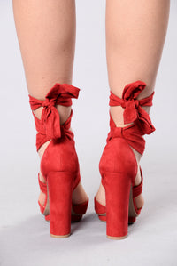 Wrap Around You Heel - Red