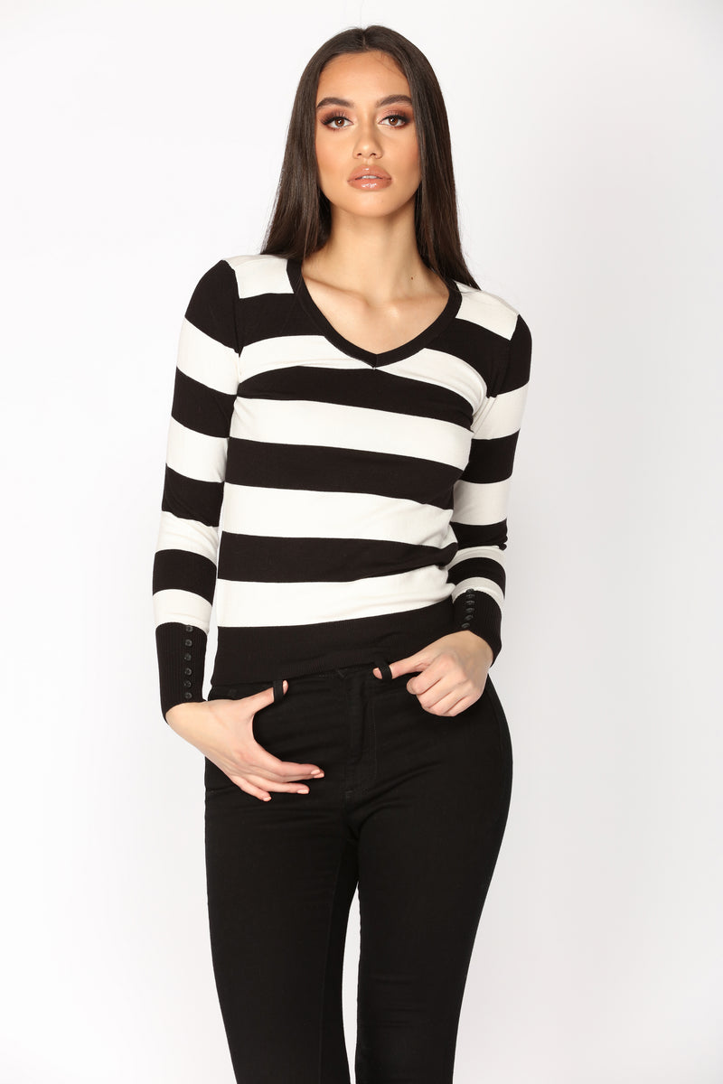 Layla Sweater Top - Black/White