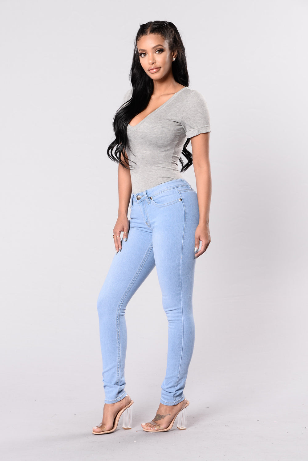 Stand Out From The Crowd Jeans - Light Wash