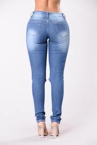 Dream On Jeans - Medium Wash Angle 3