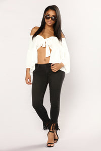 On The Fringes Ankle Jeans - Black