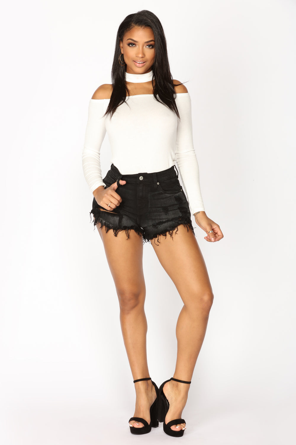No Strings Attached Short - Black