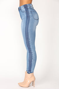 Reservations High Rise Ankle Jeans - Medium Denim