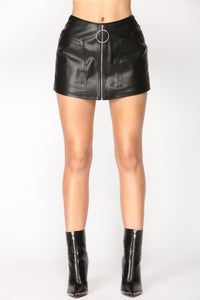 Oh So Me Skirt - Black