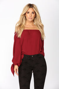 Dakota Off Shoulder Top - Burgundy