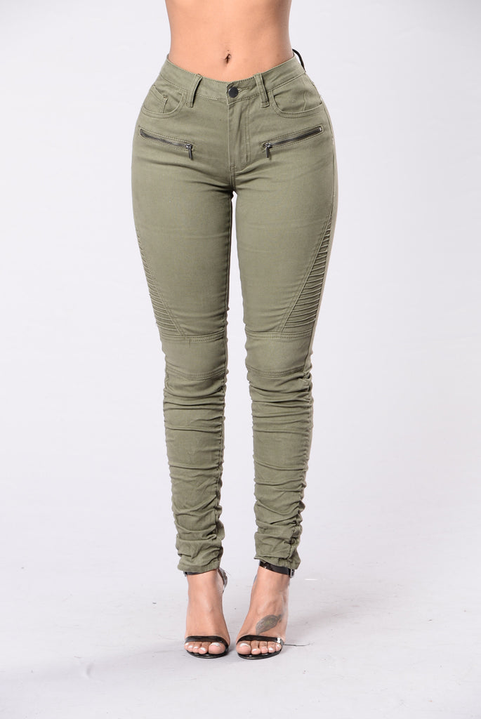 Die And Live By You Pants - Olive