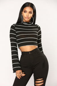 On A Cold Night Top - Black