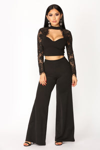 The Case Of Lace Top - Black