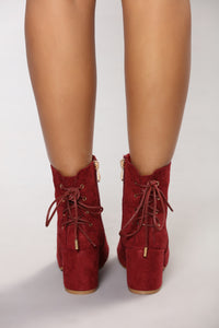 Eddy Lace Back Bootie - Burgundy