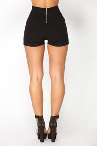 Liliana Ponte Shorts - Black Angle 3