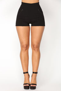 Liliana Ponte Shorts - Black Angle 1