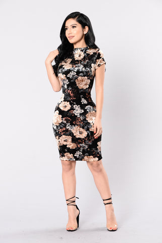 Among The Roses Dress - Black Floral